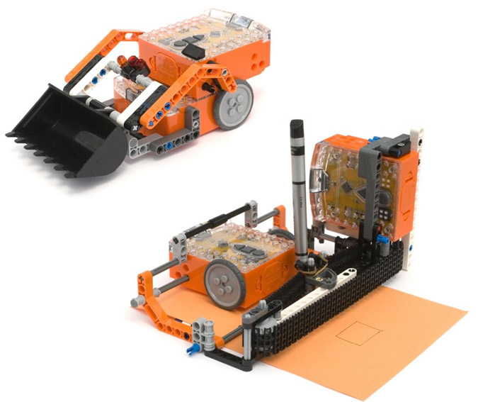 A Lego printer and digger made with robots
