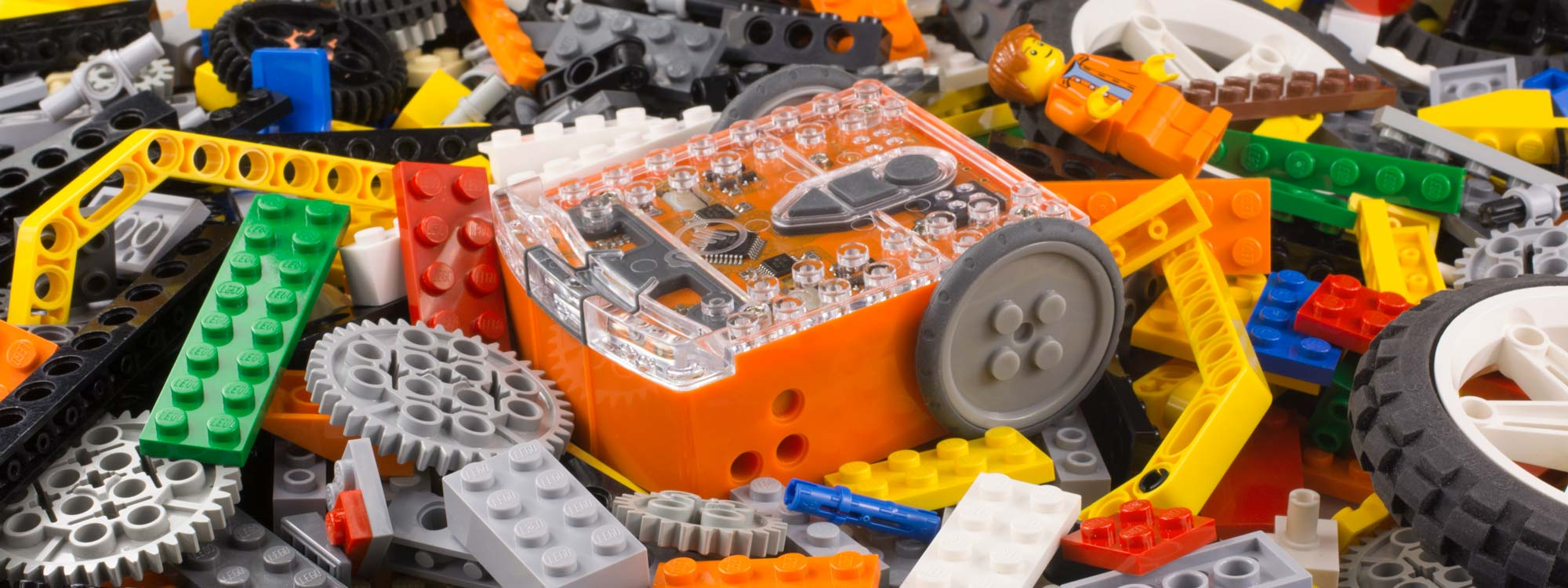 Edison robots work with LEGO bricks – affordable, educational and fun